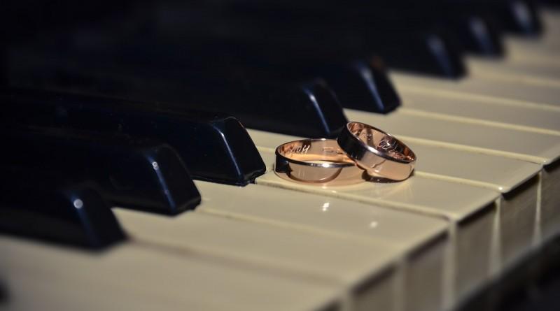 ring-433651_1280